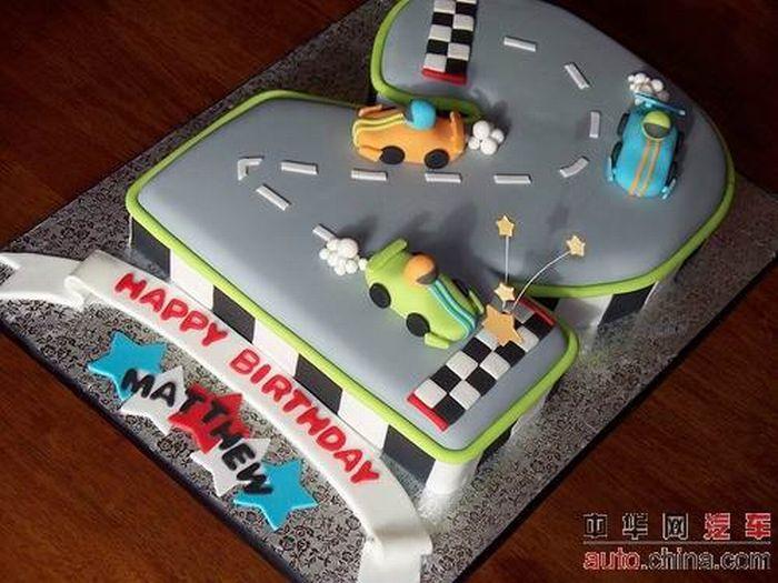 http://de.acidcow.com/pics/20090903/pics/6/car_cakes_14.jpg