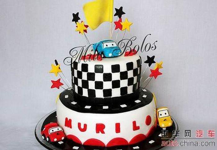 http://de.acidcow.com/pics/20090903/pics/6/car_cakes_15.jpg