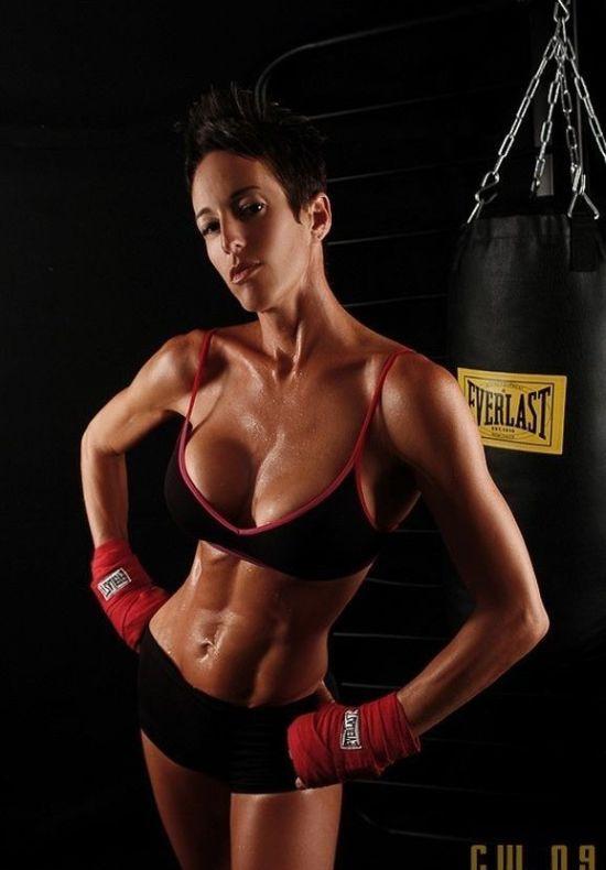Chicas Boxeadoras y ademas hermosas!