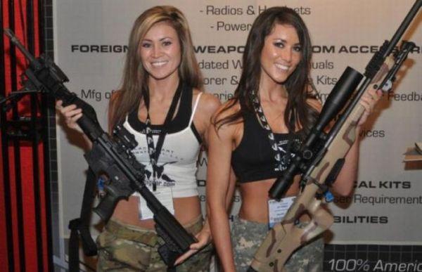 Chicas Sexys Con Armas