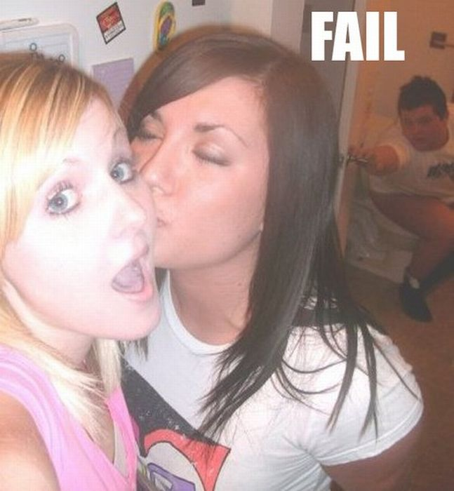 Funny Pics: Girl Self Shot Fails