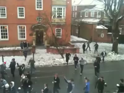 http://de.acidcow.com/pics/20120210/video/epic_snow_ball.jpg